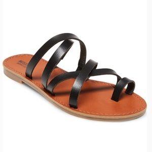 Mossimo black sandals